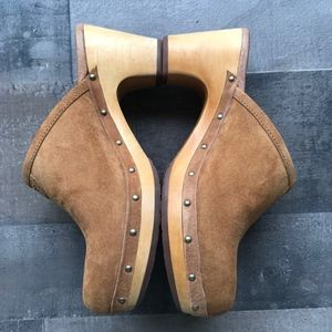 UGG Women's Abbie Suede Clogs / Mules Suede Size 7